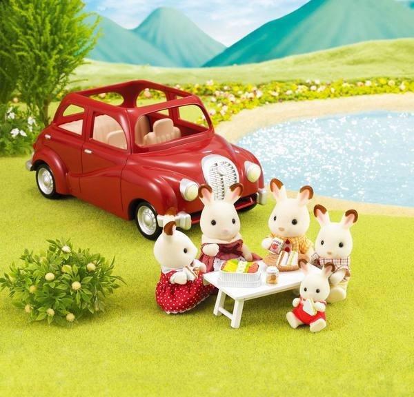 Семейный автомобиль (красный)