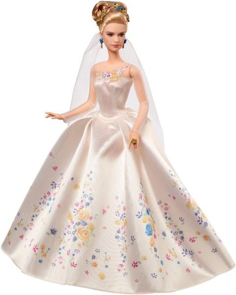 Принцесса Золушка в свадебном платье